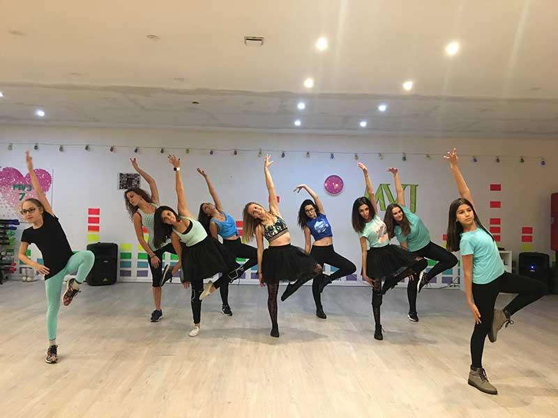 модерни танци студентски град